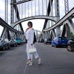 Just-take-a-look.berlin - Clean Look - Streetstyle in Weiß und Grau