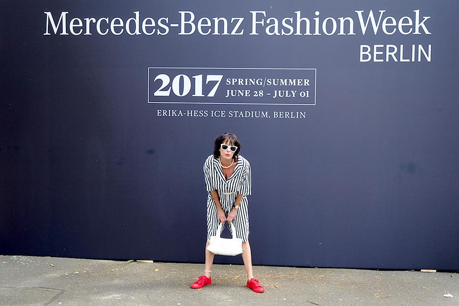 Just-take-a-look.berlin - Navylike