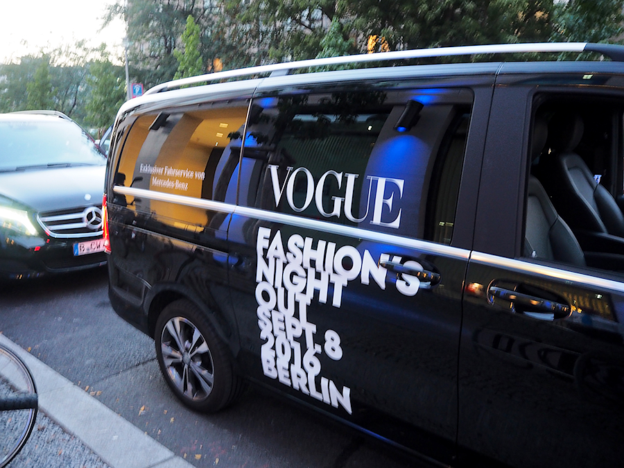 just-take-a-look-berlin-vogue-fashion-night-out-berlin