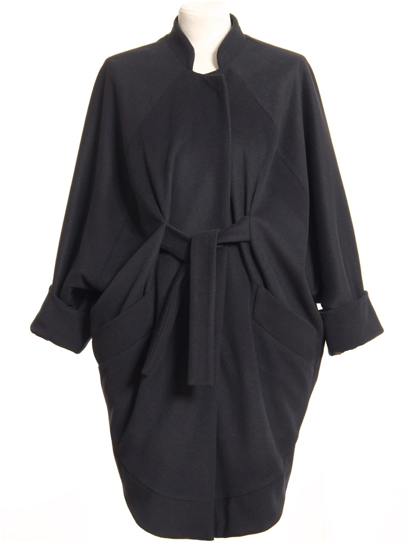 Just-take-a-look Berlin - Paula_Immich_coat_anna_navy_front-closed