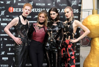 Just-take-a-look.berlin - Fashion Show beim Berlin Musik Video Award
