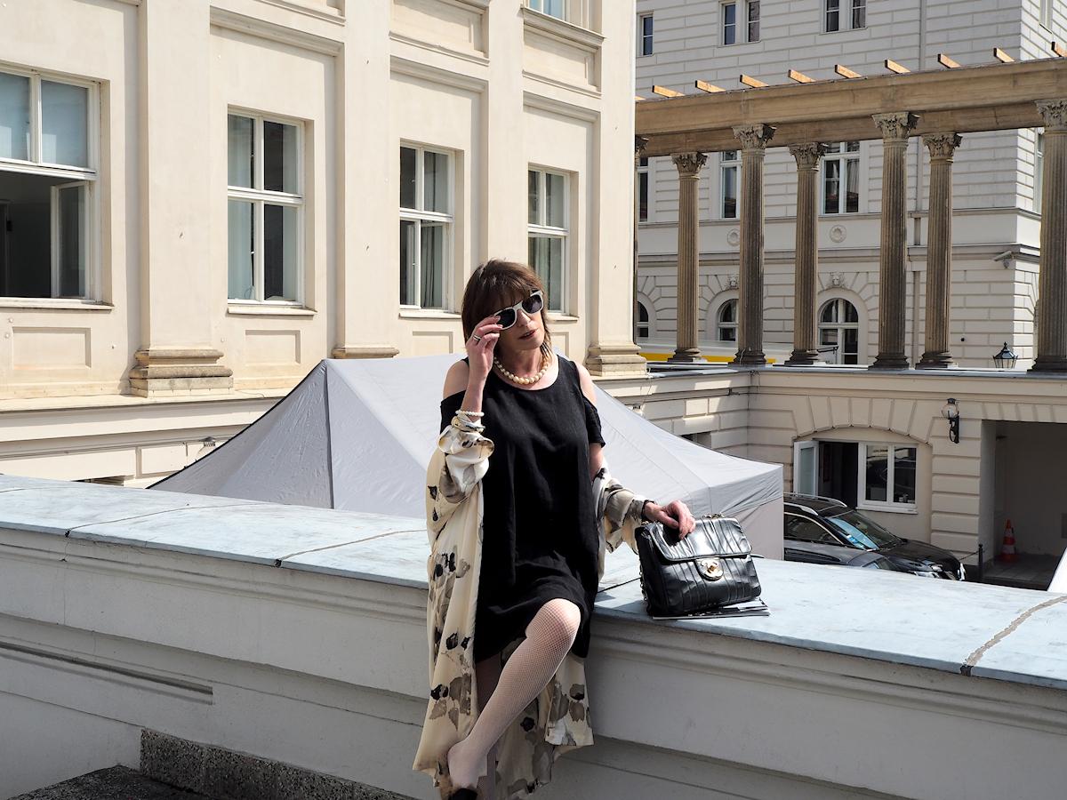 Just-take-a-look-berlin - Urlaub - und keine Reise? - Kimono und Cold Shoulder Dress