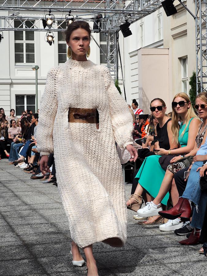 Just-take-a-look-berlin - Vanessa Schindler Defilee