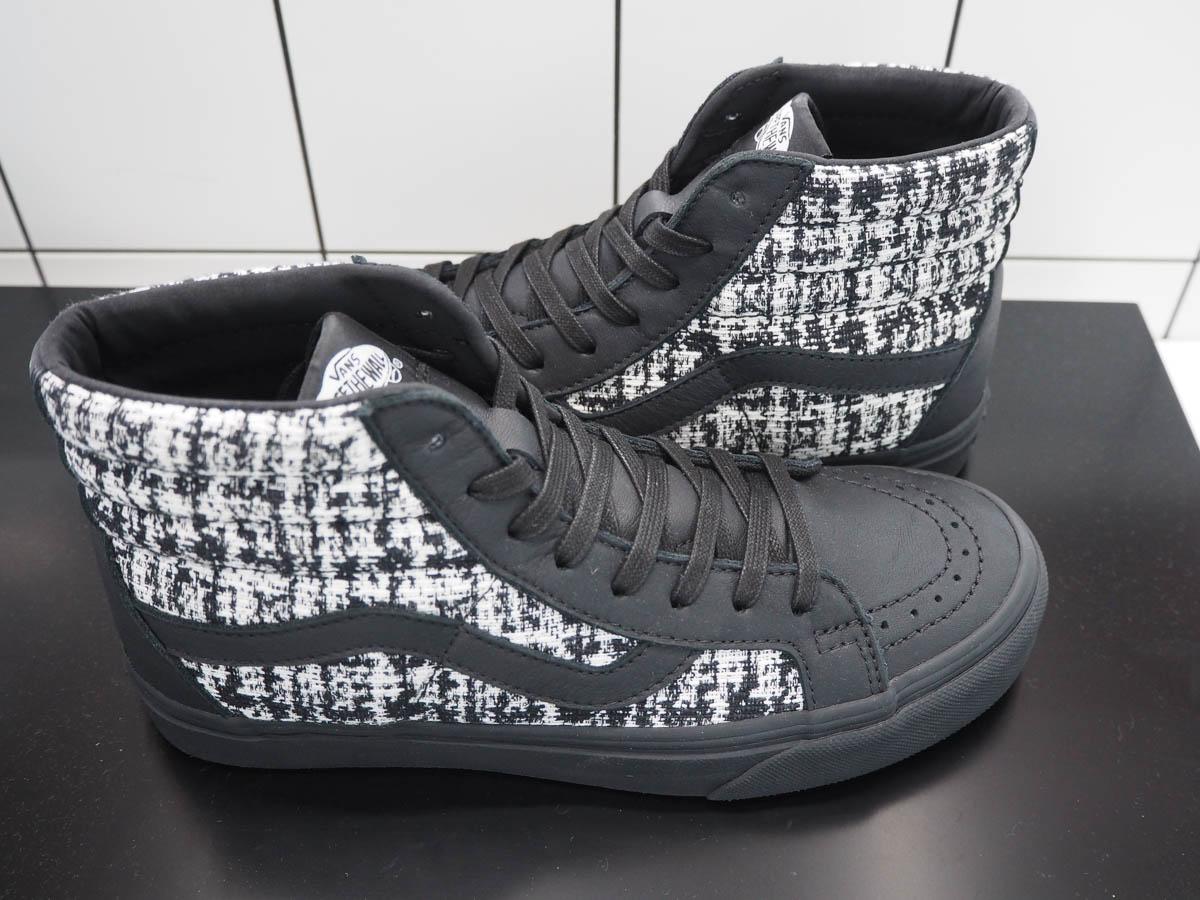 Just-take-a-look Berlin Karl Lagerfeld meets Vans Sneakers, T-Shirts, Rucksack, Hoody, Cap und Jacke