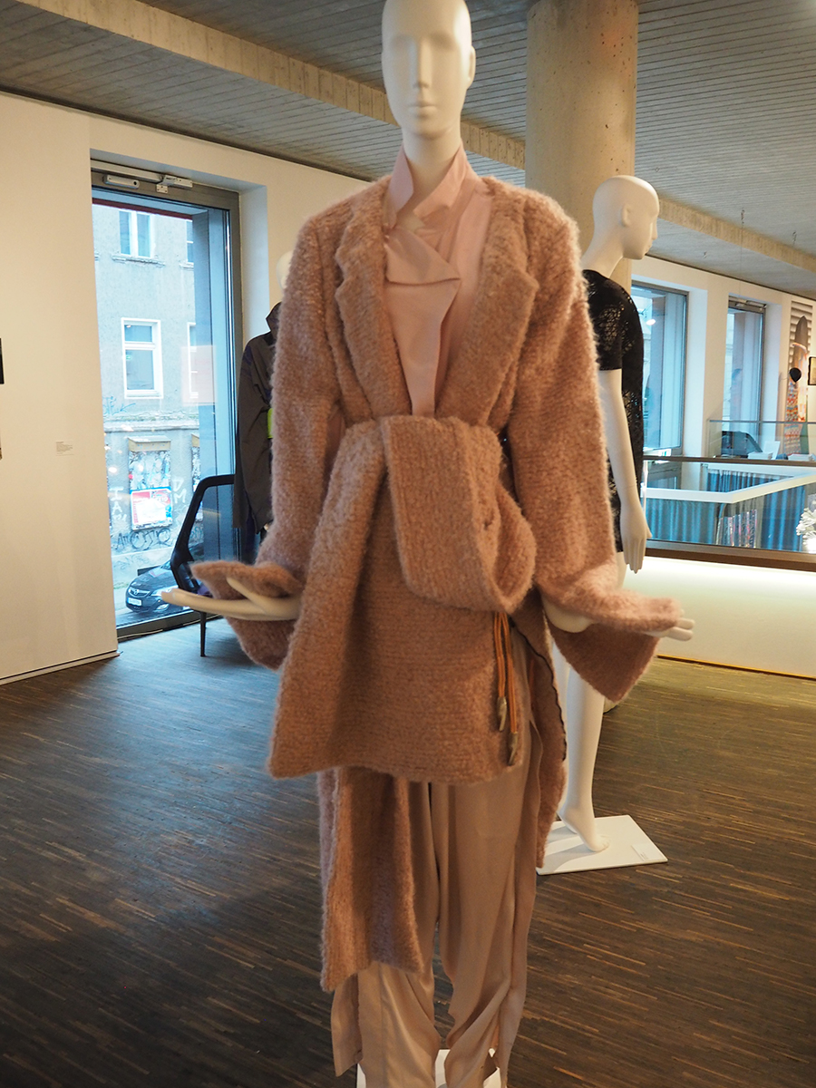 "Ausstellung ""FASHION- Objects, Concepts & Visions"" 8"