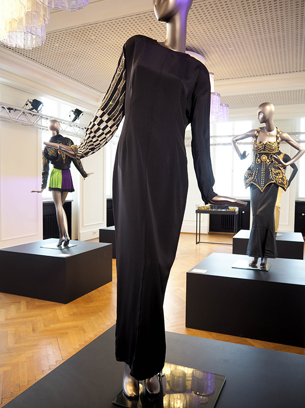 Just-take-a-look Berlin - Gianni Versace Retrospective_-18
