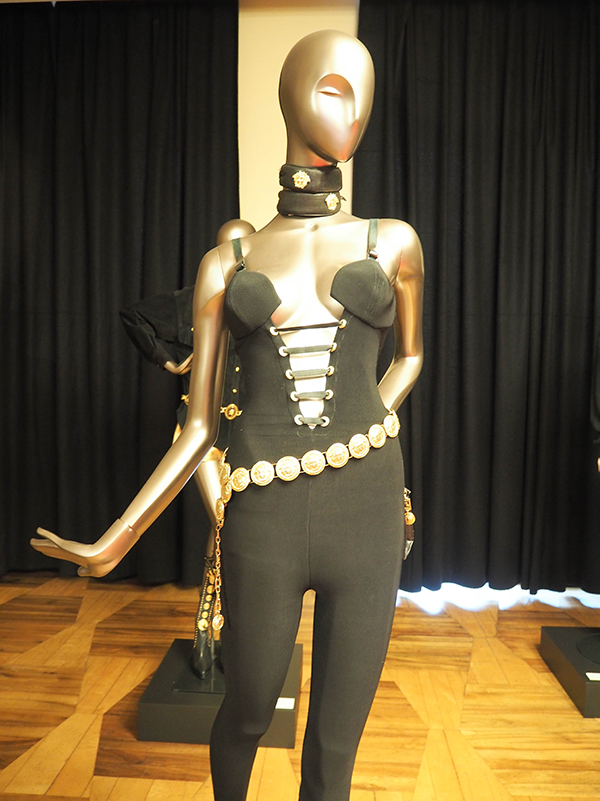 Just-take-a-look Berlin - Gianni Versace Retrospective_-3