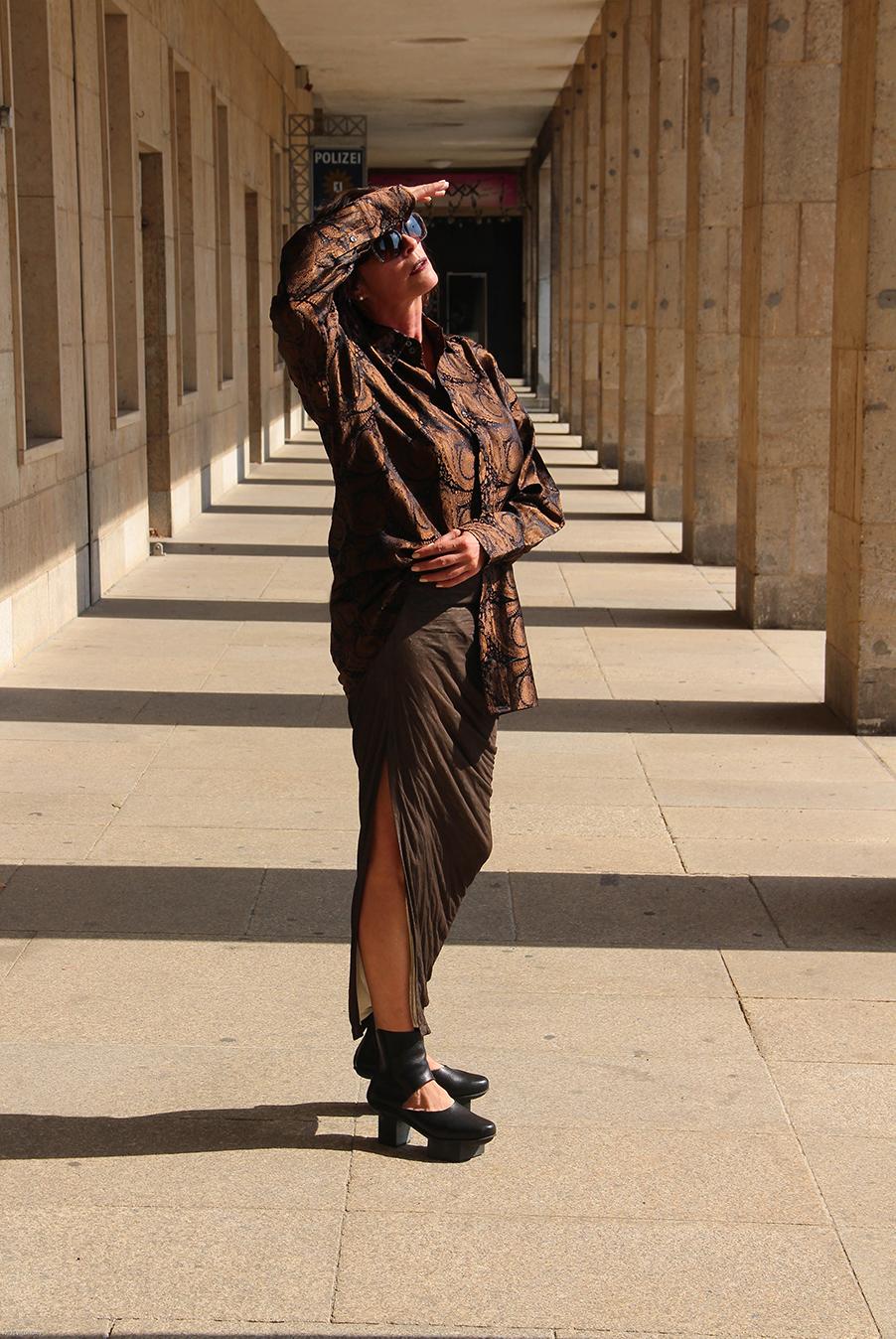 Just-take-a-look Berlin - Outfit - Tempelhof -Damen Handtasche Luisaviaroma-21