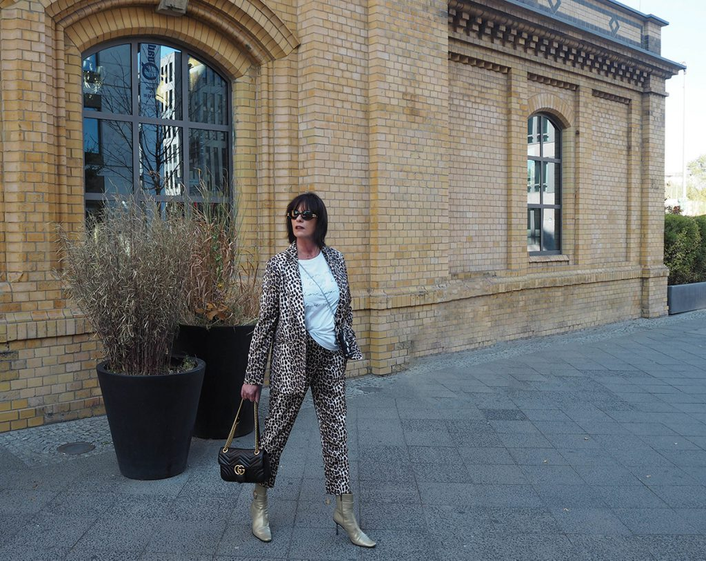 Just-take-a-look Berlin - Mädelstag mit Beauty und Fashion - Outfit Animal Print for Fall-2.1