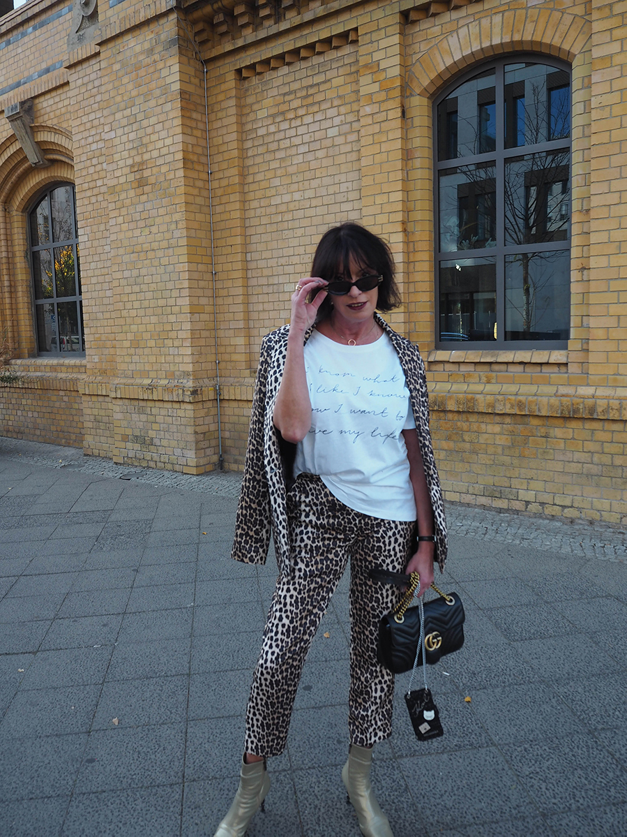 Just-take-a-look Berlin - Mädelstag mit Beauty und Fashion - Outfit Animal Print for Fall-8.1