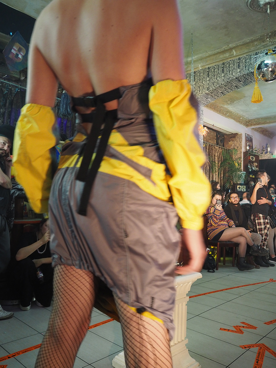 Just-take-a-look Berlin - Show von Therapy Recycle & Exorcise 10