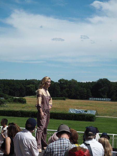 Just-take-a-look Berlin - Fashion Race Day Rennbahn Hoppegarten Paulinas Friends-2