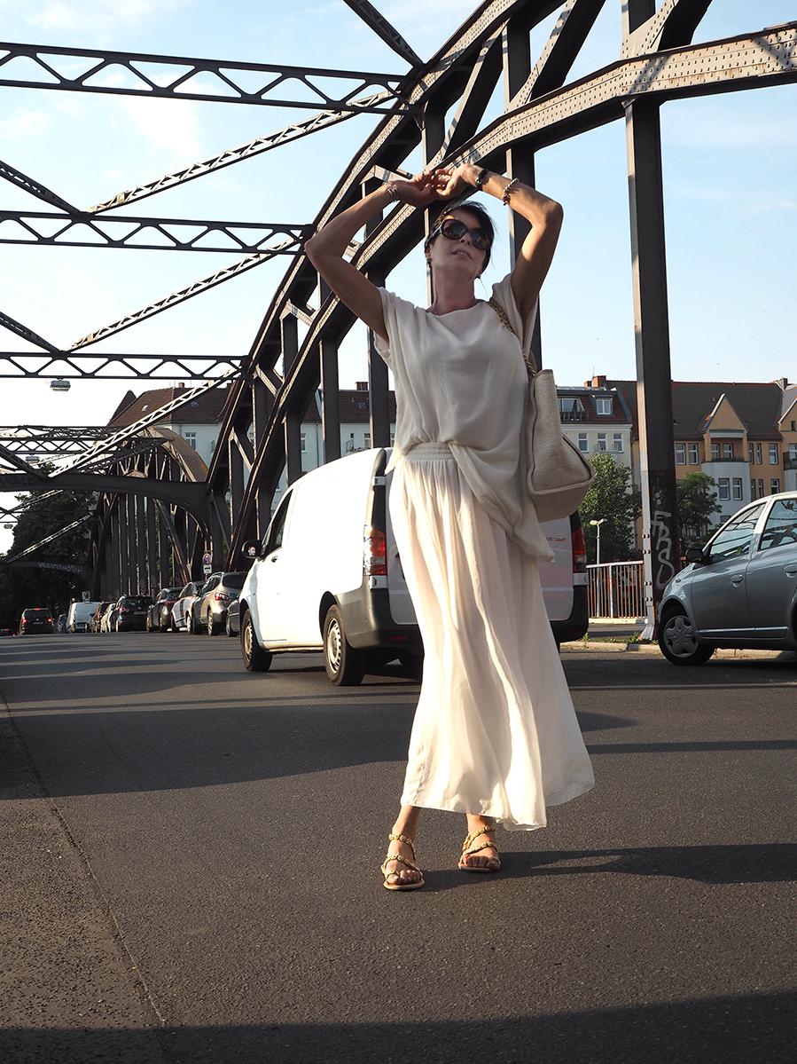 Just-take-a-look Berlin - Freundschaften - Outfit Weiß - CC-Tasche-7 Kopie