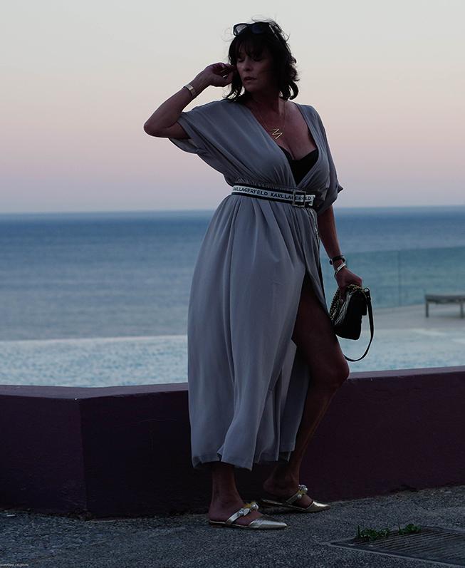 Just-take-a-look Berlin - Oberflächlich und Mediengeil - Outfit - graues Kleid-8.2