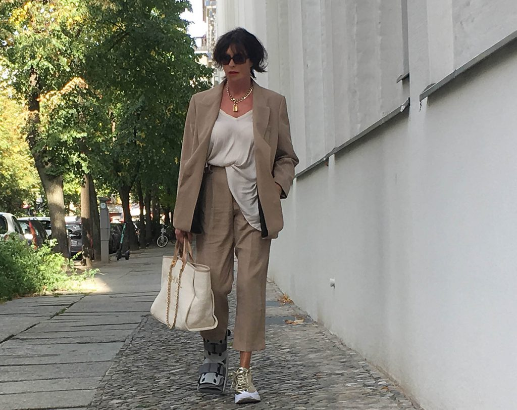 Just-take-a-look Berlin - Outfit - beiger Anzug-16.1