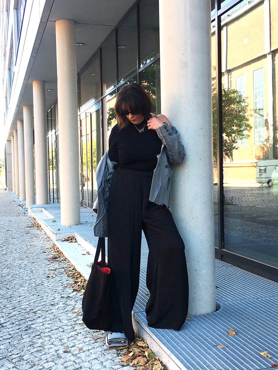 Just-take-a-look Berlin Outfit mit Lagerfeld Tasche 6
