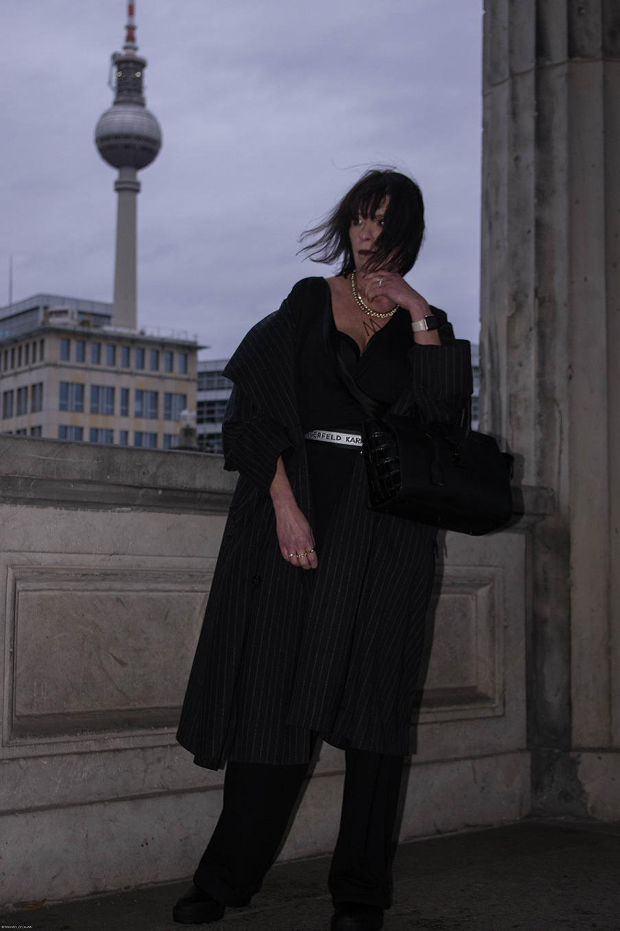 Just-take-a-look Berlin - Ausblick 2020 - Outfit Jumpsuit Museumsinsel-11.1