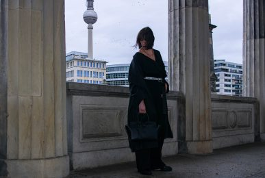 Just-take-a-look Berlin - Ausblick 2020 - Outfit Jumpsuit Museumsinsel-13.1
