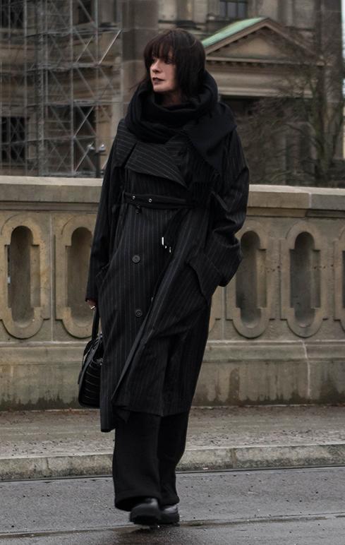 Just-take-a-look Berlin - Ausblick 2020 -Outfit Jumpsuit Museumsinsel Kopie 1