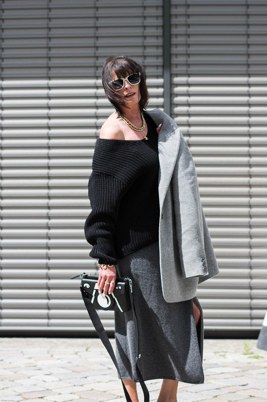 Just-take-a-look Berlin Outfit Grauer Rock und Maske-12.1