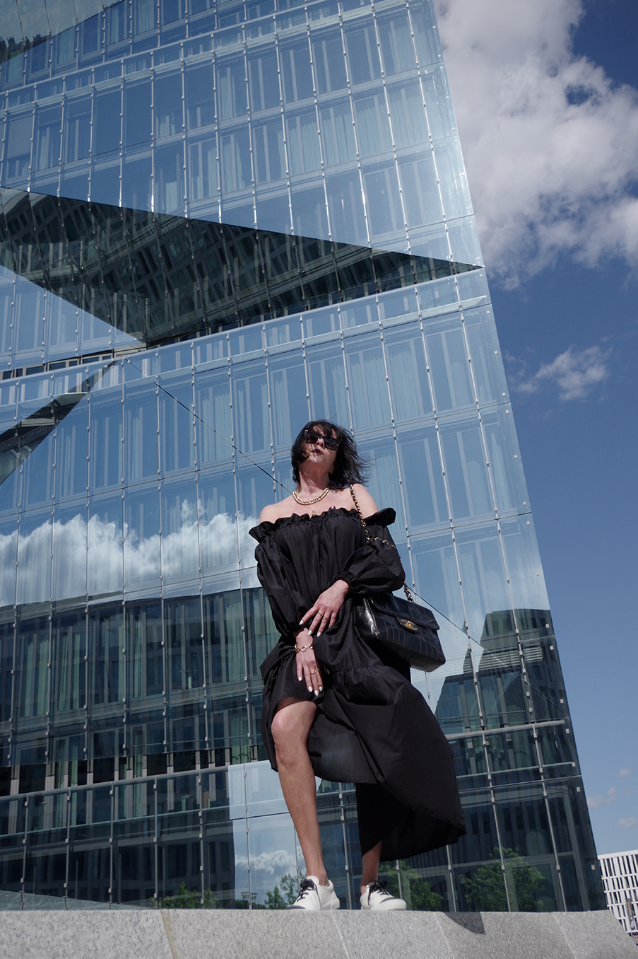 Just-take-a-look Berlin - Modestandort Berlin - Off-Shoulder Kleid