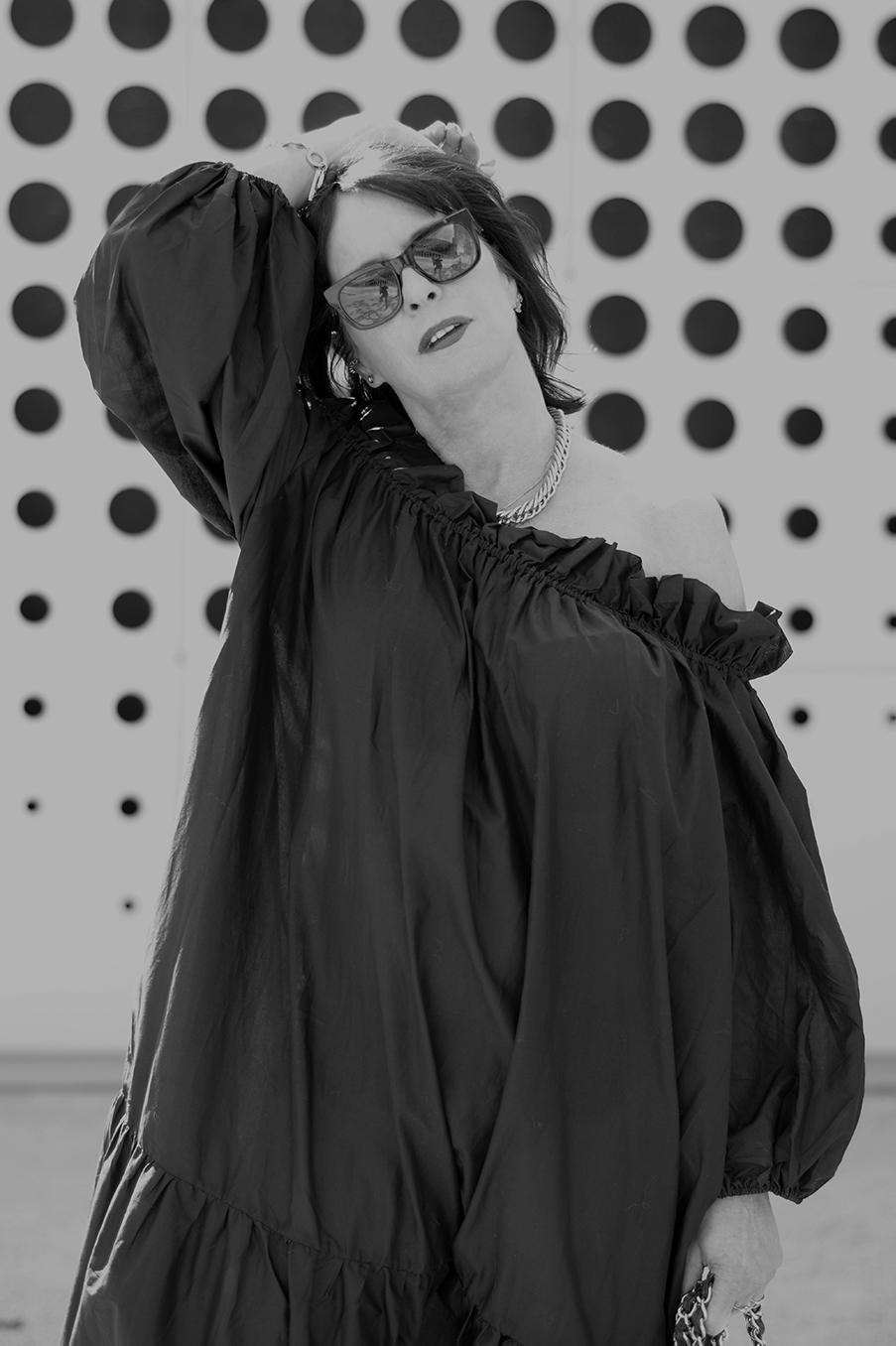 Just-take-a-look Berlin Off-Shoulder Kleid