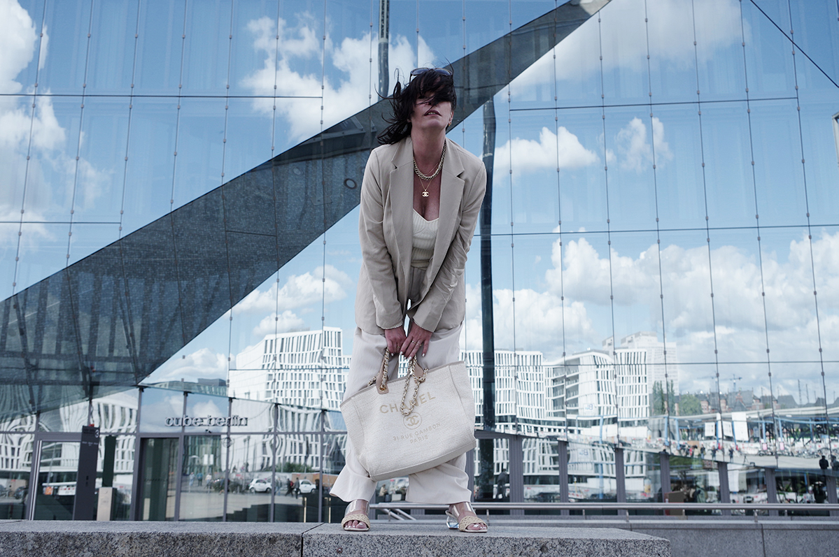Just-take-a-look Berlin Outfit All in Creme Spiegel Cube 1.1
