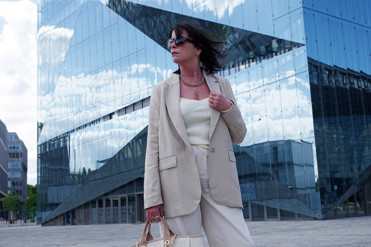 Just-take-a-look Berlin Outfit Creme - Corona Wochen -