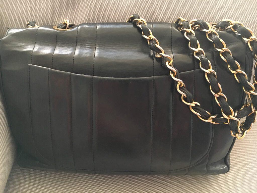 Just-take-a-look berlin - Lieblingsstück Chanel-Tasche