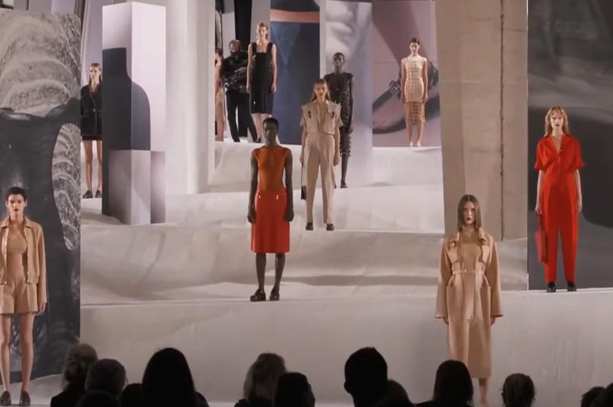 Just-take-a-look Berlin - Schwere Zeiten in der Mode - Hermes Show 2021