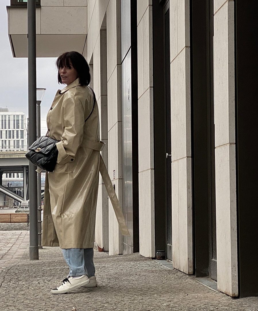 Just-take-a-look Berlin - Humboldthafen - Trenchcoat