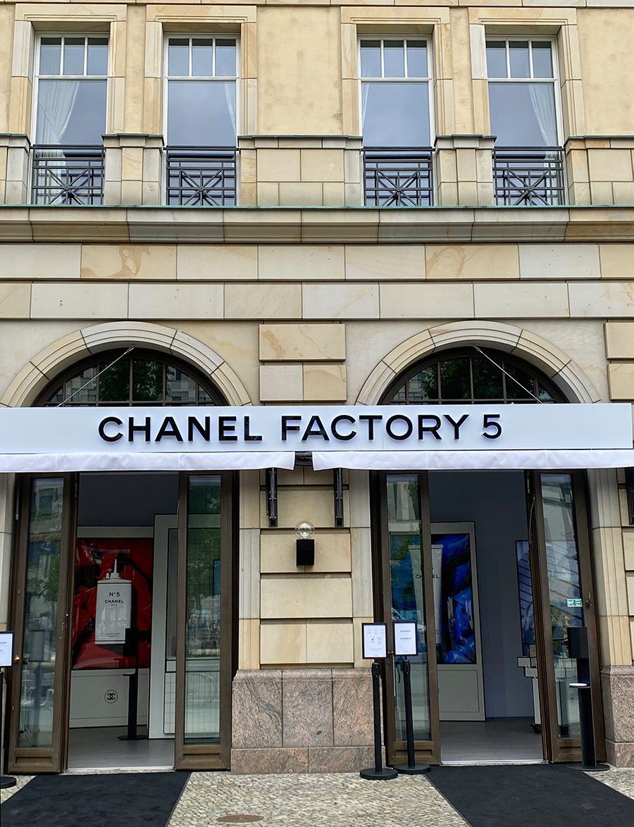 Just-take-a-look Berlin - Chanel Factory 5 - 14